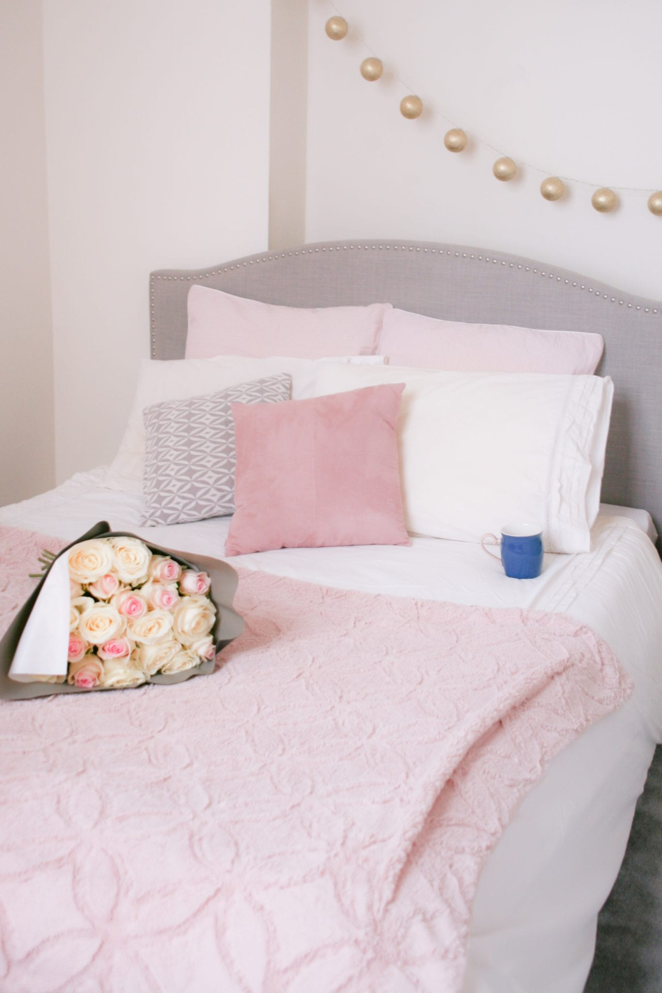 Home decoration : une chambre aux couleurs pastel, du rose et du blanc / Blog-lifestyle-estelle-some-place-called-home