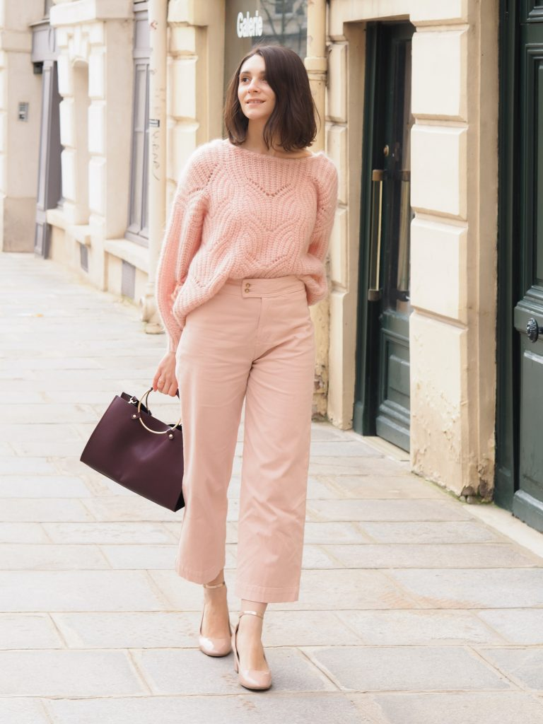 Oser le total look rose : pantalon june sezane, maille simone, babies rose / Blog mode éthique estelle some place called home