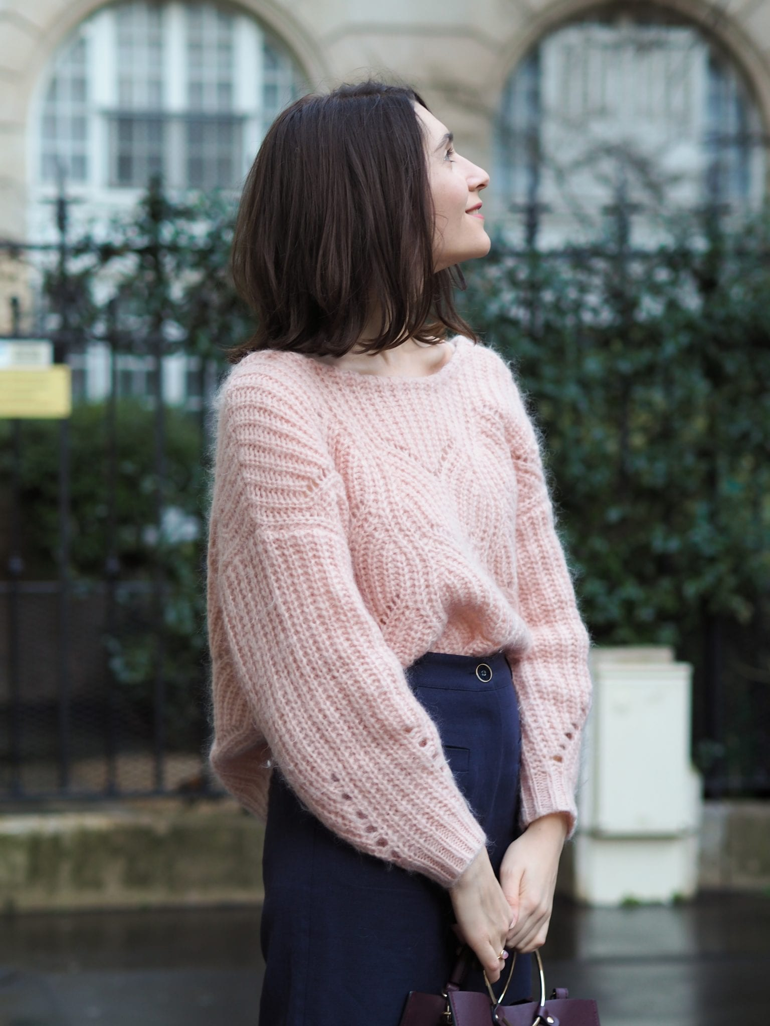 Look de mi-saison : pantalon flare cropped Des Petits Hauts, pull oversize sézane rose Simone / Blog mode éthique some place called home