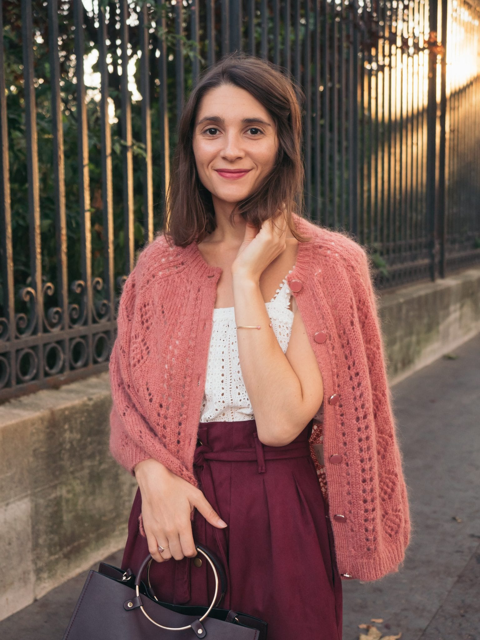 Un look d'automne en bordeaux et rose pivoine / blog-mode-couture-some-place-called-home